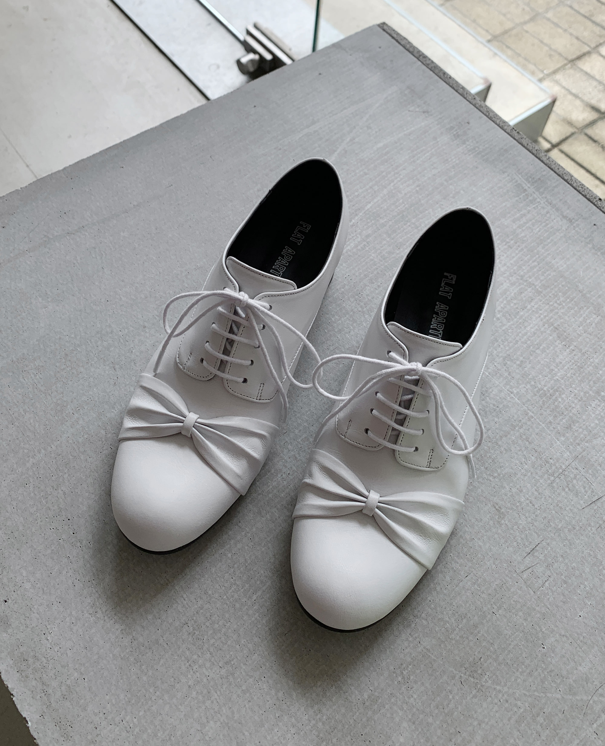 FLATAPARTMENTCIRCLE, RIBBONSHOES, OXFORDS, SHOES, FLATS, 플랫아파트먼트써클